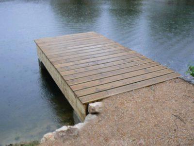 ponton sur étang